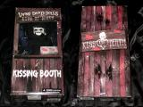 LIVING DEAD DOLLS EXCLUSIVE - KISS OF DEATH in Kissing Booth Fensterbox - Mezco Toyz Puppe